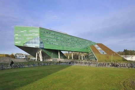 Green-Roofed Linnaeusborg Centre for Life Sciences | sustainable architecture | Scoop.it
