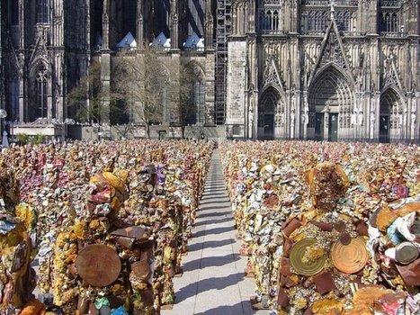 "HA Schult: ""Trash People"" | Art Installations, Sculpture, Contemporary Art | Scoop.it"