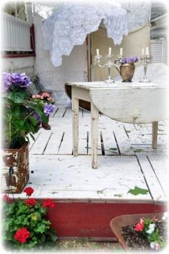 Summer deck made from pallets | Upcycled Garden Style | Scoop.it