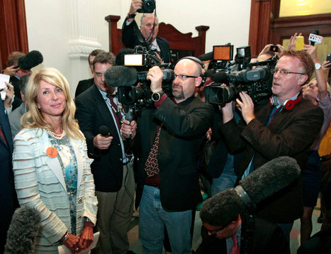 From Texas Statehouse to YouTube, a Filibuster Is a Hit | Back Chat | Scoop.it