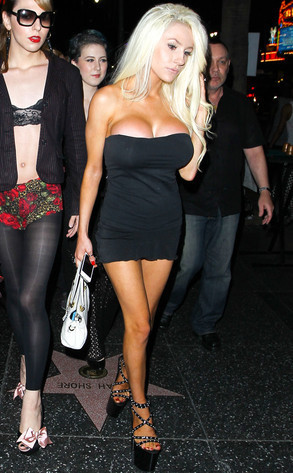 Courtney Stodden's Boobs Overflow From Little Black Dress on Date Night - Sexy Balla | News Daily About Sexy Balla | Scoop.it