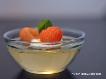 Recipe: Champagne Jelly with Golden Raspberries | @FoodMeditations Time | Scoop.it