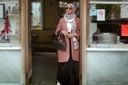H&M Features Its First Hijab-Wearing Model | Fashion bloggers & Brands | Scoop.it