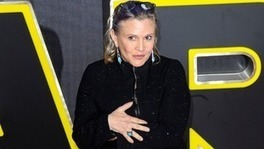 Star Wars actress Carrie Fisher hits out at body shamers over Force Awakens appearance | Vloasis vlogging | Scoop.it