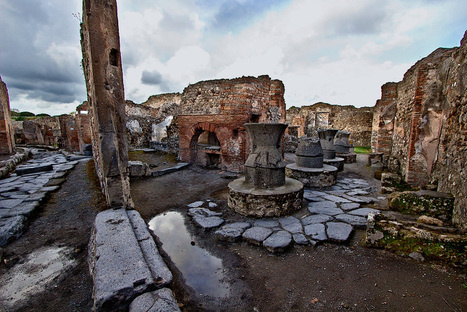 PHOTO: Ruins of large bakery at Pompeii | ancient history core study: cities of vesuvius | Scoop.it