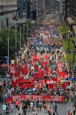 'Historic' #Toronto #climate march calls for new economic vision - The Guardian | Messenger for mother Earth | Scoop.it