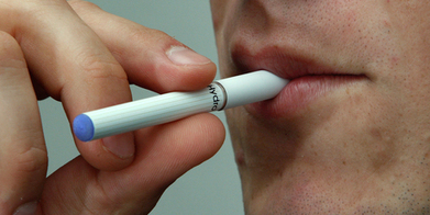 E-cigarettes wishful thinking for giving up smokes, says US critic - Life & Style - NZ Herald News | Weird and Crazy Things | Scoop.it