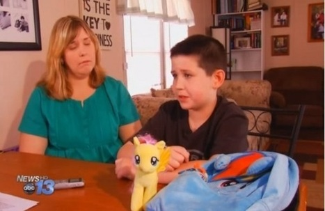 """School bans boy from using My Little Pony bag because it's a """"trigger for bullying"""" 