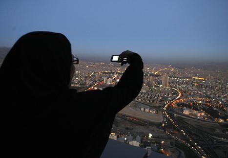 Misreading Tehran: The Twitter Devolution - By Golnaz Esfandiari | Twit4D | Scoop.it