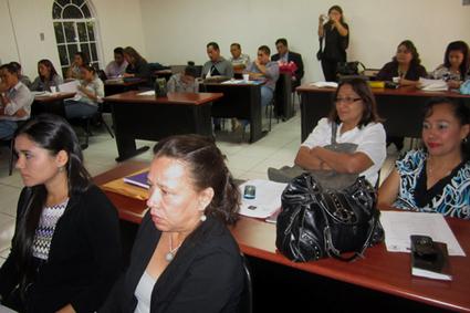 Participantes en diplomado de formulación de proyectos presentan iniciativas de desarrollo social - Universidad de El Salvador | ALFA-TRALL | Scoop.it