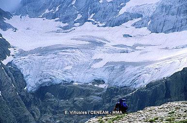 El glaciar del Perdido pierde dos metros de grosor en los años cálidos #climat #COP21 | Vallée d'Aure - Pyrénées | Scoop.it