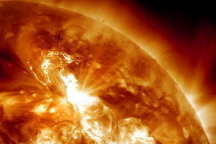 Huge Solar Eruption Sparks Strongest Radiation Storm in 7 Years | omnia mea mecum fero | Scoop.it