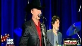 Chord Buddy inventor Travis Perry and country star John Rich is rocking up a sho... | gitarr | Scoop.it