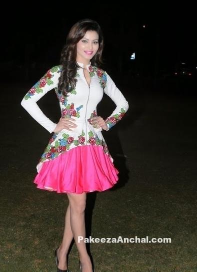 Urvashi Rautela in Floral print Skirt at Mitsui Shoji T-20 League Season 5 | Indian Fashion Updates | Scoop.it
