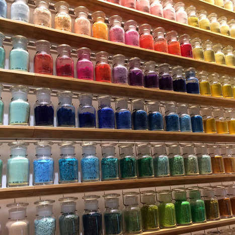 4,200 #Pigments Lined Up On #Japanese #Paint Supply Store's Walls To Support #Traditional #Art Techniques | What makes Japan unique | Scoop.it