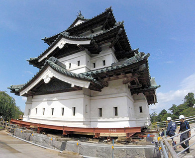 Earning their keep, workers start 1st renovation of Aomori castle in 100 years | The Asahi Shimbun | Kiosque du monde : Asie | Scoop.it