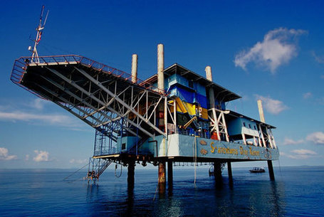 Go Scuba Diving From an Oil Rig Hotel | Dykning | Scoop.it