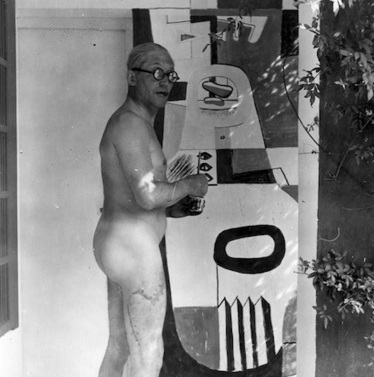 [À POIL] Le Corbusier painting in the nude at Eileen Gray's Villa E-1027 | The Architecture of the City | Scoop.it