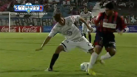 Amazing nutmeg during Argentinian football match – video | Dumping ground | Scoop.it