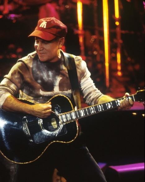 "Paul Simon: not only is he a legend, he's ""indie famous"" now - Examiner.com | IndiePop | Scoop.it"