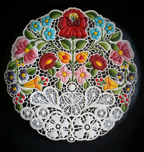 Mesmerizing Embroidery-Inspired Cookie Decorating by Mezesmanna   Amazing art!   Scoop.it