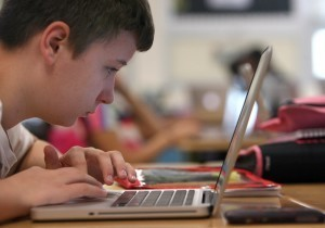 Middle school using cloud computing for down-to-earth education : Hobart News | Adopting cloud computing in the education setting. | Scoop.it