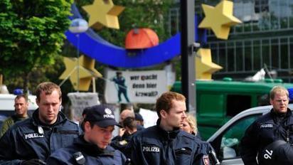 """Blockupy""-Proteste trotz Verbots - ZDF heute journal - ZDFmediathek - ZDF Mediathek | #Blockupy Frankfurt | Scoop.it"