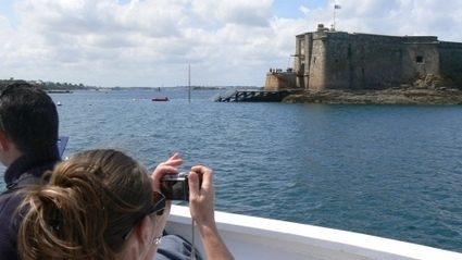 La Baie de Morlaix en Renault 16 et en bateau, jusqu'au Château duTaureau | Renault 16 | Scoop.it