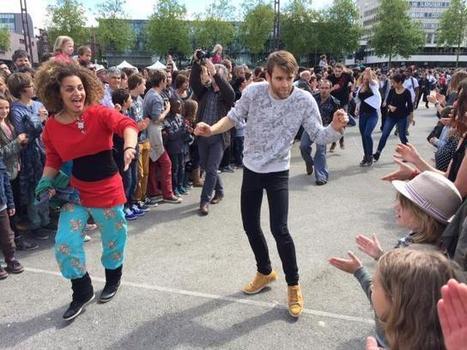 Fous de danse à Rennes. Des milliers de personnes sur l'esplanade   performances, expos à Rennes   Scoop.it