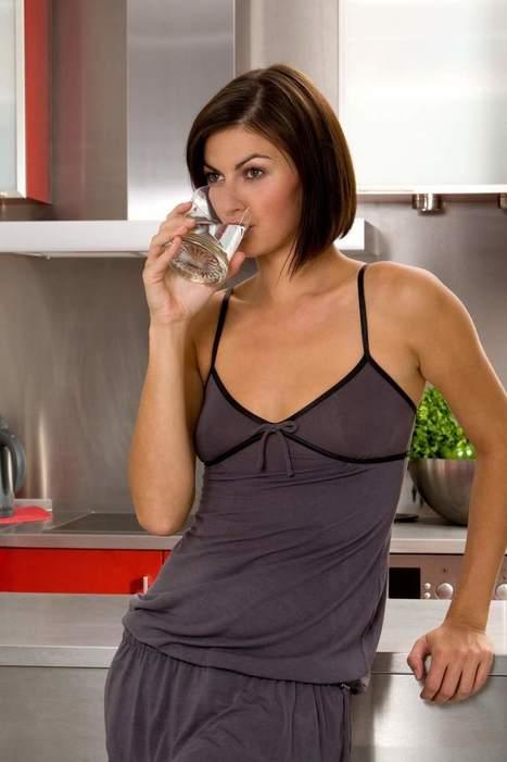 Los seis beneficios de beber agua templada para nuestra salud - 20minutos.es | Apasionadas por la salud y lo natural | Scoop.it