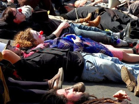 Avec leur clowneries ils nous tuent... | #marchedesbanlieues -> #occupynnocents | Scoop.it