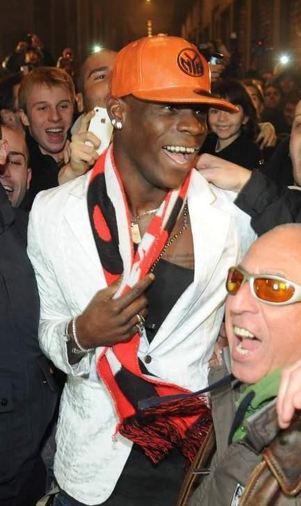 L'arrivée de Mario Balotelli à Milan termine en bagarre !   Management of sport   Scoop.it