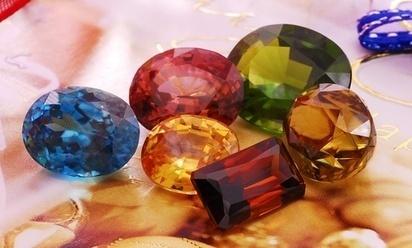 Natural zircon is often confused with cubic zirconia   Gemstones Trends   Scoop.it