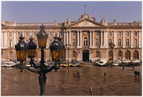 #JeudiArchives : La place du Capitole a bien changé depuis 1991 ! | Archives municipales de Toulouse | Scoop.it