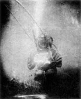 La première photographie sous-marine   La plongée sous-marine   Scoop.it