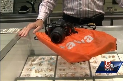 Pawn shop workers thwart illegal sale, return Nikon taken from subway | HDSLR | Scoop.it