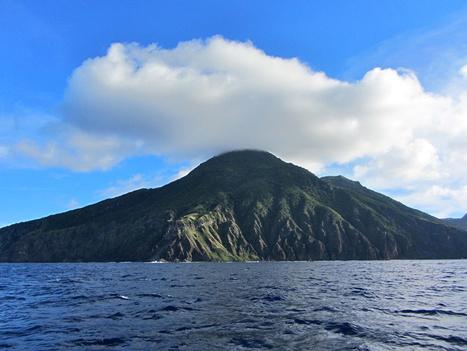 Hiking on Saba Island   Caribbean Travel Source   Scoop.it