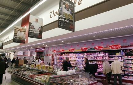 Le centre Leclerc de Rivières-La Rochefoucauld joue le terroir - CharenteLibre | Tendances : entreprises | Scoop.it