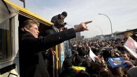 David Hasselhoff joins Berlin Wall demonstration | David Hasselhoff News | Scoop.it