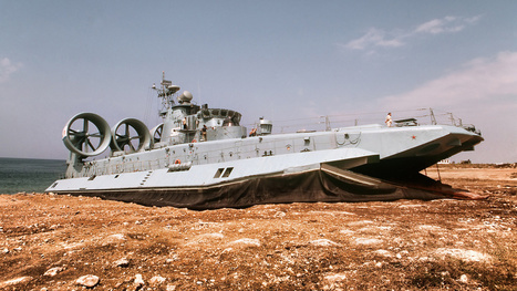 The Hovercraft That Stormed a Russian Beach Is the World's Largest | All Geeks | Scoop.it