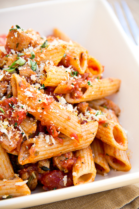 #HealthyRecipe ~ Penne Pasta in Roasted Garlic Tomato Sauce and Italian Chicken Sausage | The Man With The Golden Tongs Goes All Out On Health | Scoop.it