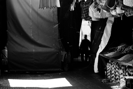 Casablanca medina | Photographer: Serge Bouvet | BLACK AND WHITE | Scoop.it