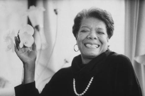 "Maya Angelou Recites Her Poem ""Phenomenal Woman"" 