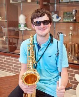 Legally blind Lobo band student marches to the beat | Sax Mad | Scoop.it