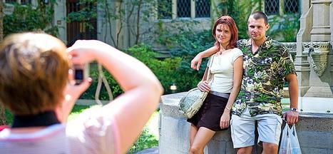 REGARDS SUR LE NUMERIQUE | Vacances connectées : le tourisme à l'heure du web social (1/2) | eTourisme & web marketing | Scoop.it