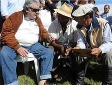 Mujica presentó la guía del trabajador rural en su día - El Diario   Trabajadores Rurales   Scoop.it