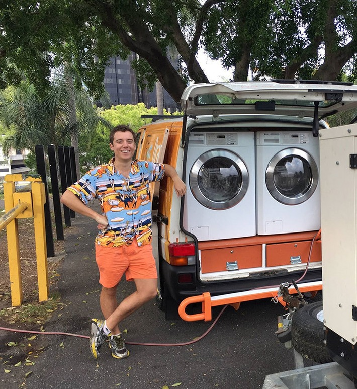 Two Friends Turned Their Van Into A Mobile Laundromat To Wash Clothes For The Homeless | Walking On Sunshine | Scoop.it
