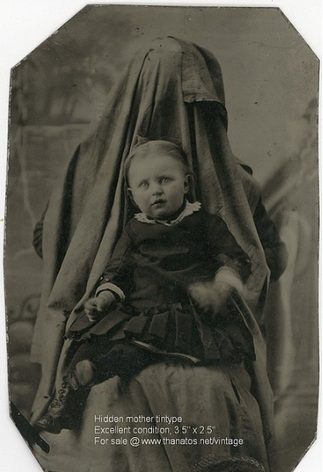 More hidden mothers in Victorian photography: post-mortem photographs ornot? | GenealoNet | Scoop.it