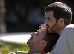 "Gay, il coming out fa bene alla salute: ""Dichiararsi libera da stress e ansie"" 