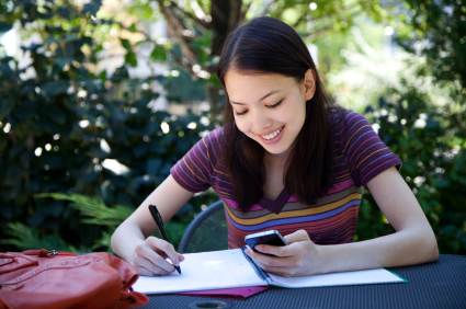 New US Survey Finds That More Than 1/3 of Middle School Students Use Mobile Devices for Homework   Educational Apps & Tools   Scoop.it